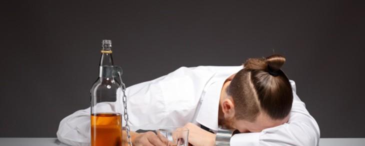 Comportamiento dudoso en hijos: Cómo saber si tu hijo se droga