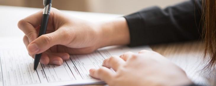 Investigación para la verificación de currículums